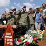 Lamtumirë Nënë, që linde Agimin, që na tha se ia vlen të vdiset vetëm për emrin Kosovë!