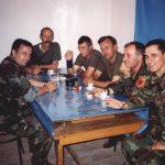 Kukës, 9 qershor 1999: pas njoftimit se në Kumanovë është bërë marrëveshja për ndërprejen e veprimeve luftarake. Agim Sylejmani, Spiro Butka, Bislim Zyrapi, Rafet (?), Alsh Shala dhe Mark Shala.