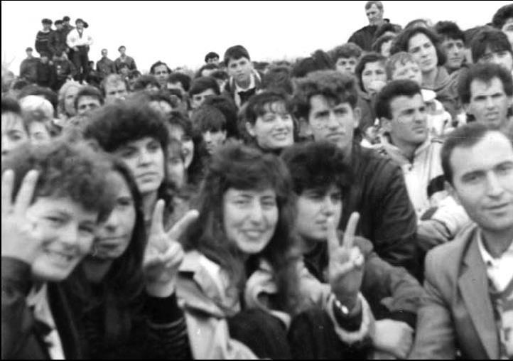 Lumnije Azemi – Morina u angazhua për pajtim të gjaqeve në Kosovë, në vitin 1982 edhe pse e mitur u dënua me 1 vjet burgim